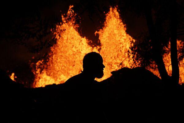 Naturaleza desencadenada: la espectacular erupción del volcán hawaiano Kilauea - Sputnik Mundo
