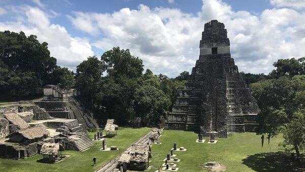 La antigua ciudad maya de Tikal, en Guatemala - Sputnik Mundo