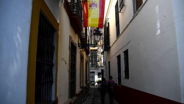 Bandera de España en Sevilla - Sputnik Mundo