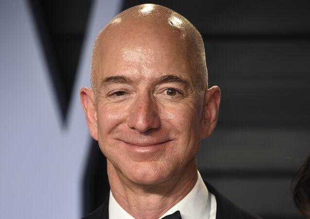 Jeff Bezos, milmillonario estadounidense