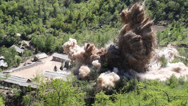 El desmontaje del polígono nuclear Punggye-ri en Corea del Norte - Sputnik Mundo