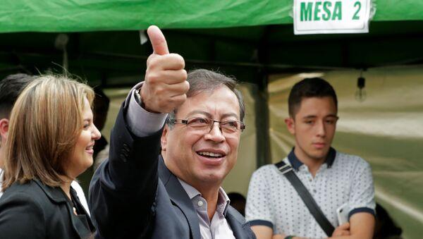 Gustavo Petro, candidato presidencial colombiano (archivo) - Sputnik Mundo