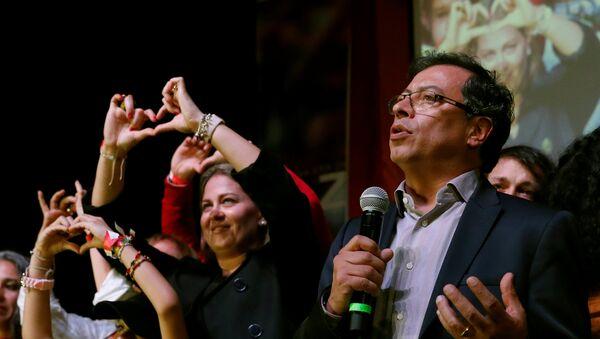Gustavo Petro, candidato presidencial colombiano - Sputnik Mundo