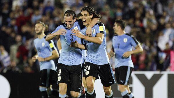 Edinson Cavani y capitán Diego Godín de la selección uruguaya de fútbol - Sputnik Mundo