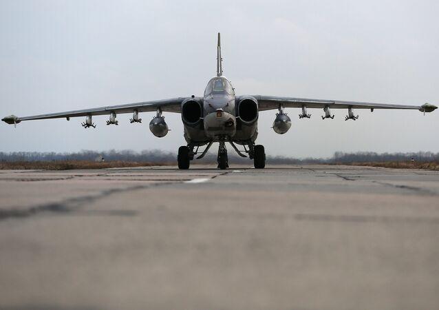 Un avión Su-25 ruso