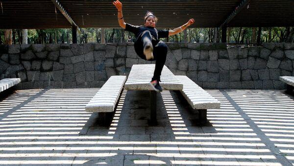 La mexicana Karla Castellanos, campeona mundial de parkour - Sputnik Mundo