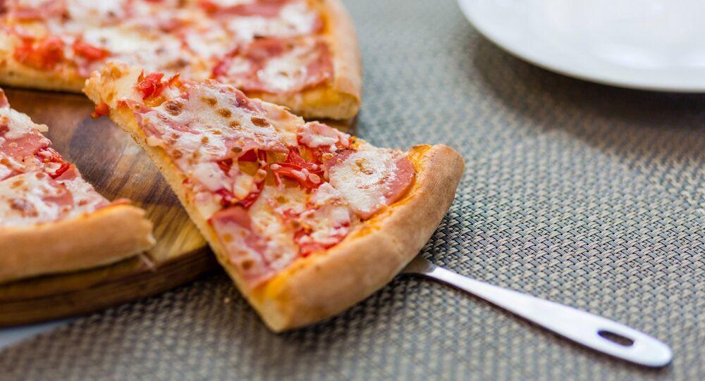 Una pizza en el restaurante Sicilia