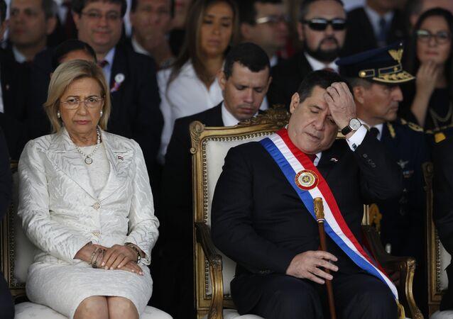 Alicia Pucheta, vicepresidenta de Paraguay y Horacio Cartes, presidente.