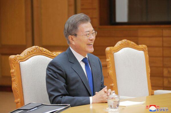 La segunda reunión de los líderes de Corea del Norte y del Sur - Sputnik Mundo