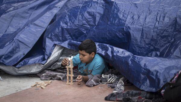 Niños migrantes en México - Sputnik Mundo