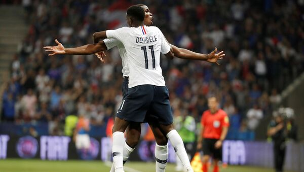 Ousmane Dembele y Paul Pogba de la selección francesa - Sputnik Mundo