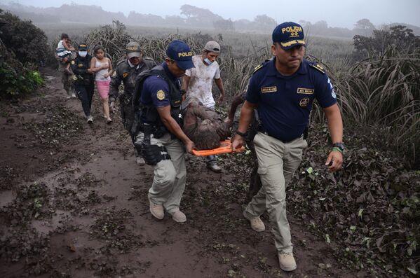 Cómo quedó Guatemala tras la erupción del volcán de Fuego - Sputnik Mundo