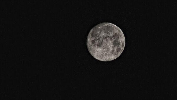 La Luna (imagen referencial) - Sputnik Mundo