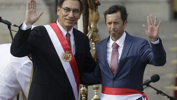 Martín Vizcarra, presidente de Perú y David Tuesta, exministro de Economía y Finanzas de Perú - Sputnik Mundo