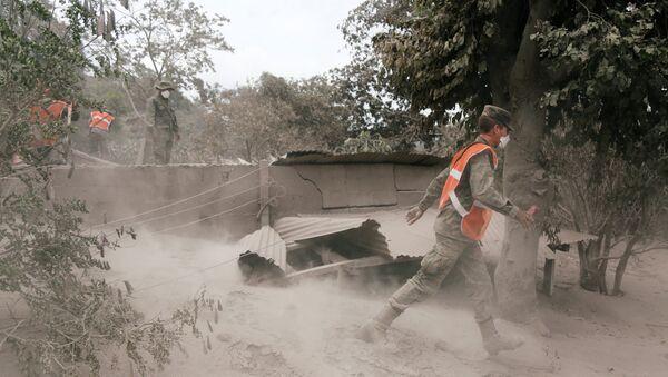 as consecuencias de la erupción del volcán de Fuego en San Juan Alotenango, Guatemala - Sputnik Mundo