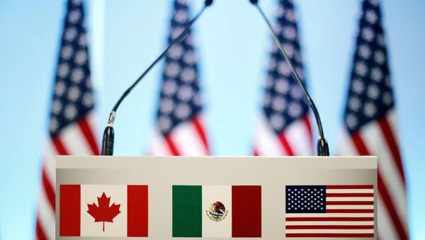 Las banderas de Canadá, México y EEUU (imagen referencial) - Sputnik Mundo