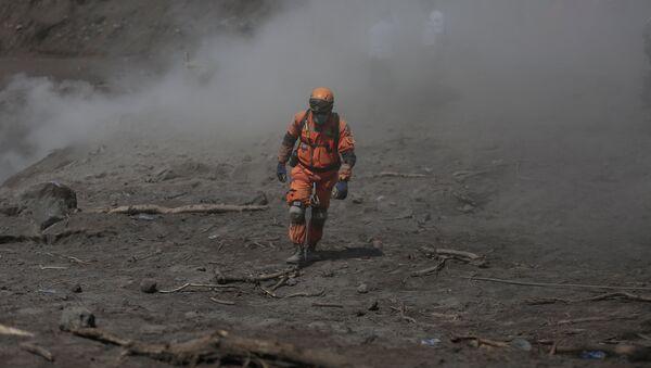 Las consequencias de la erupción del volcán de Fuego en Guatemala - Sputnik Mundo