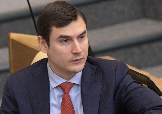 Serguéi Shargunov, diputado y escritor ruso