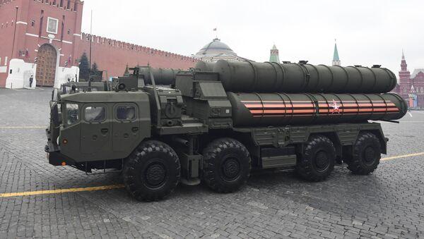 El sistema de misiles de defensa aérea S-400 Triumf - Sputnik Mundo