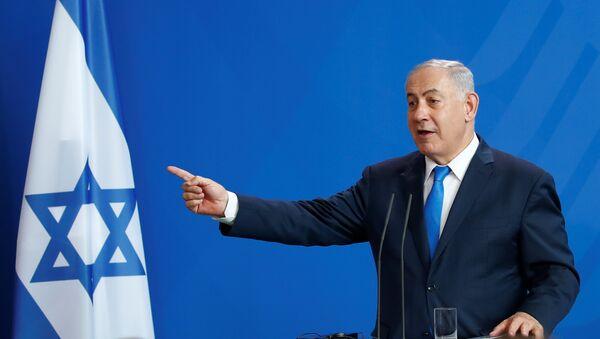 Benjamin Netanyahu durante su visita a Berlín - Sputnik Mundo