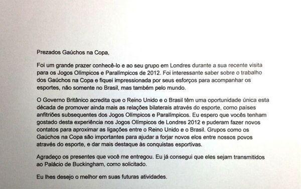 Carta que el Gobierno británico envió en agradecimiento al grupo Gaúchos na Copa por su participación en Londres 2012 y por los regalos enviados a la reina Isabel II - Sputnik Mundo