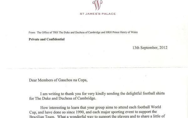 Carta de agradecimiento a Gaúchos na Copa por las camisetas de Gremio enviadas al príncipe Guillermo y su esposa Kate - Sputnik Mundo