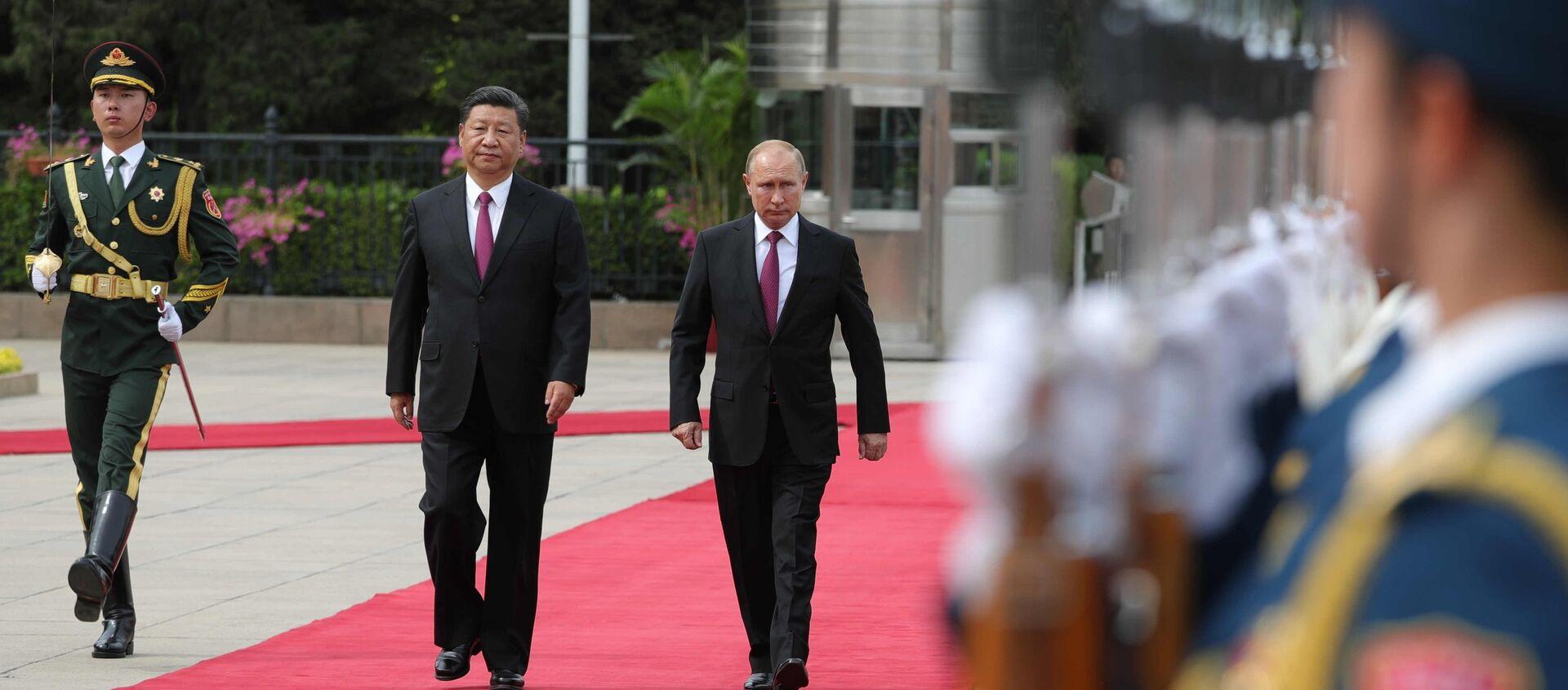 Presidente de China, Xi Jinping, y presidente de Rusia, Vladímir Putin - Sputnik Mundo, 1920, 27.10.2020