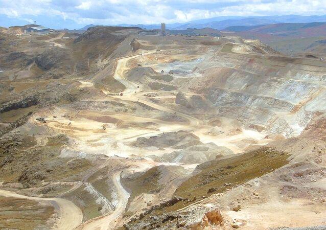 Mina de oro en Perú