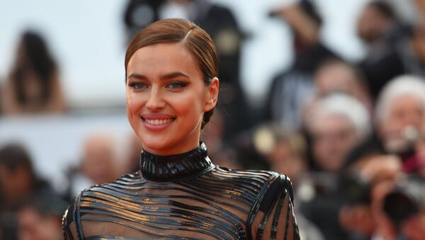 La modelo y actriz Irina Shayk en Cannes - Sputnik Mundo