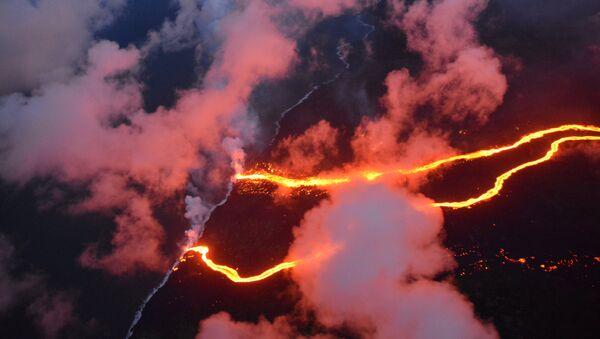 La erupción del volcán de Kilauea - Sputnik Mundo