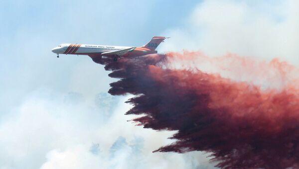 Extinción del incendio forestal en Colorado - Sputnik Mundo