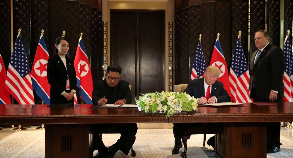 El presidente de EEUU, Donald Trump y el líder norcoreano Kim Jong-un firmaron el acuerdo final en la cumbre de Singapur