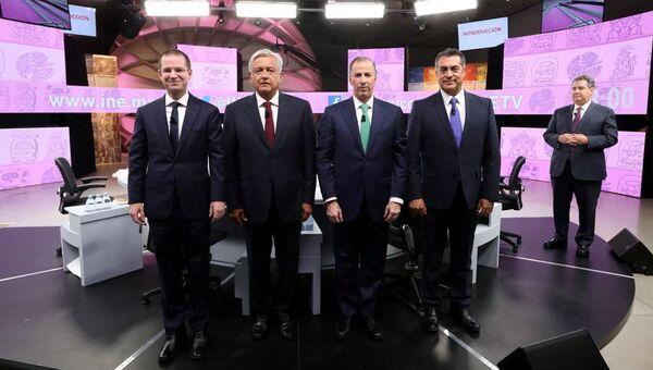 Ricardo Anaya, Andrés Manuel López Obrador, José Antonio Meade y Jaime Rodríguez durante el tercer y último debate - Sputnik Mundo