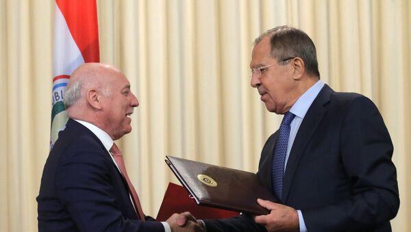 El ministro paraguayo de Exteriores, Eladio Loizaga Caballero, y su par ruso Serguéi Lavrov (archivo) - Sputnik Mundo