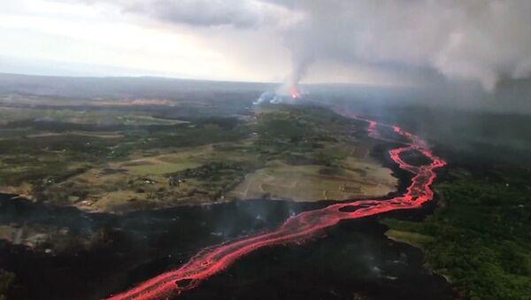 El volcán Kilauea continúa causando destrozos en Hawái tras 40 días de erupción - Sputnik Mundo