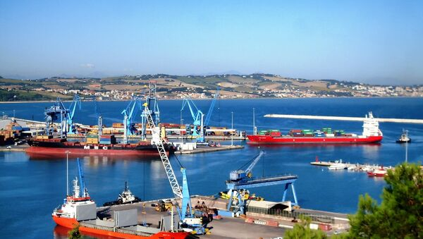 Un puerto italiano (archivo) - Sputnik Mundo