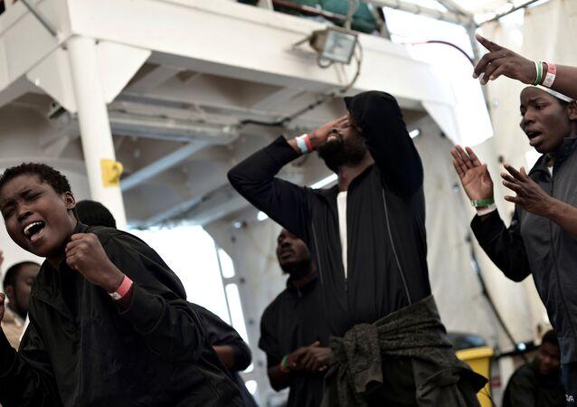 Los migrantes de la flotilla Aquarius