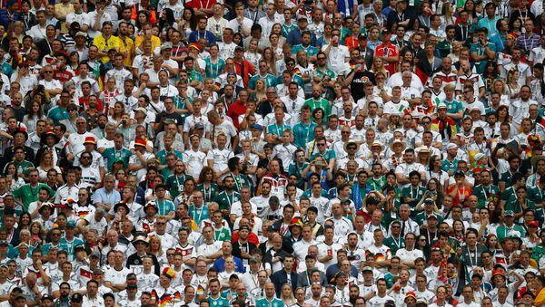Los aficionados mexicanos en el estadio Luzhnikí durante el partido con Alemania - Sputnik Mundo