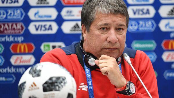 El entrenador de la selección nacional de fútbol de Panamá Hernán Gómez - Sputnik Mundo