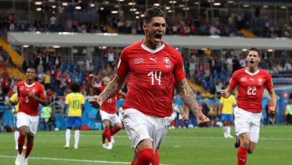 Steven Zuber, futbolista del equipo suizo de fútbol - Sputnik Mundo