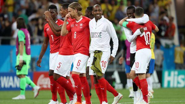 Jugadores del equipo suizo de fútbol - Sputnik Mundo