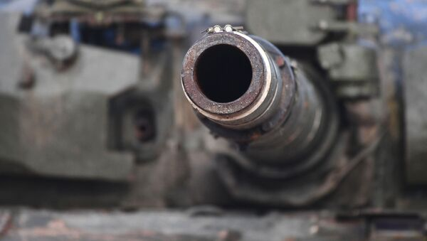 Cañón de un tanque (imagen referencial) - Sputnik Mundo