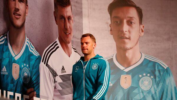 Manuel Neuer, portero de la selección alemana - Sputnik Mundo