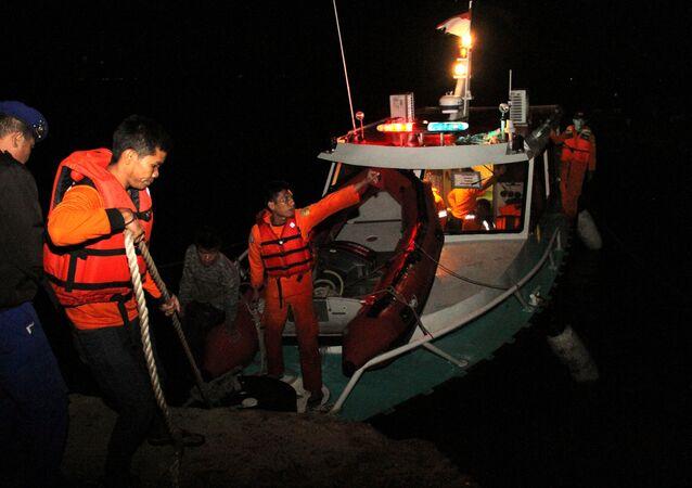 Operación de búsqueda en la isla indonesia de Sumatra
