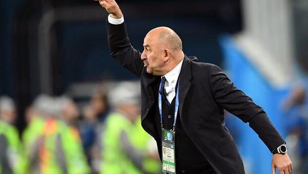 Stanislav Cherchésov, entrenador de la selección rusa - Sputnik Mundo