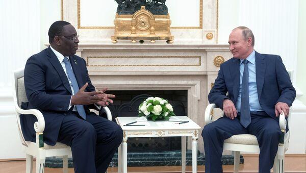 El presidente de Senegal, Macky Sall, y su homólogo ruso, Vladímir Putin - Sputnik Mundo