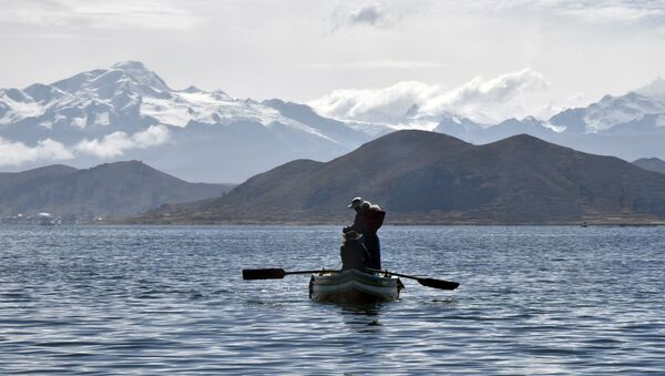 Lago Titicaca en Perú - Sputnik Mundo