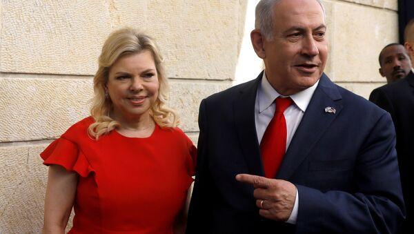 El primer ministro israelí, Benjamín Netanyahu y su esposa Sara Netanyahu - Sputnik Mundo