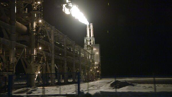 Una planta de licuefacción de gas natural - Sputnik Mundo