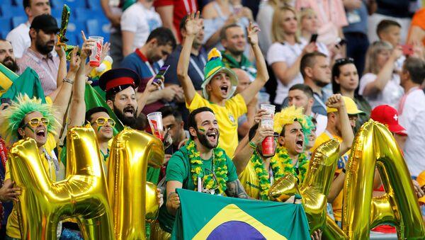 Hinchas brasileños en Rusia - Sputnik Mundo